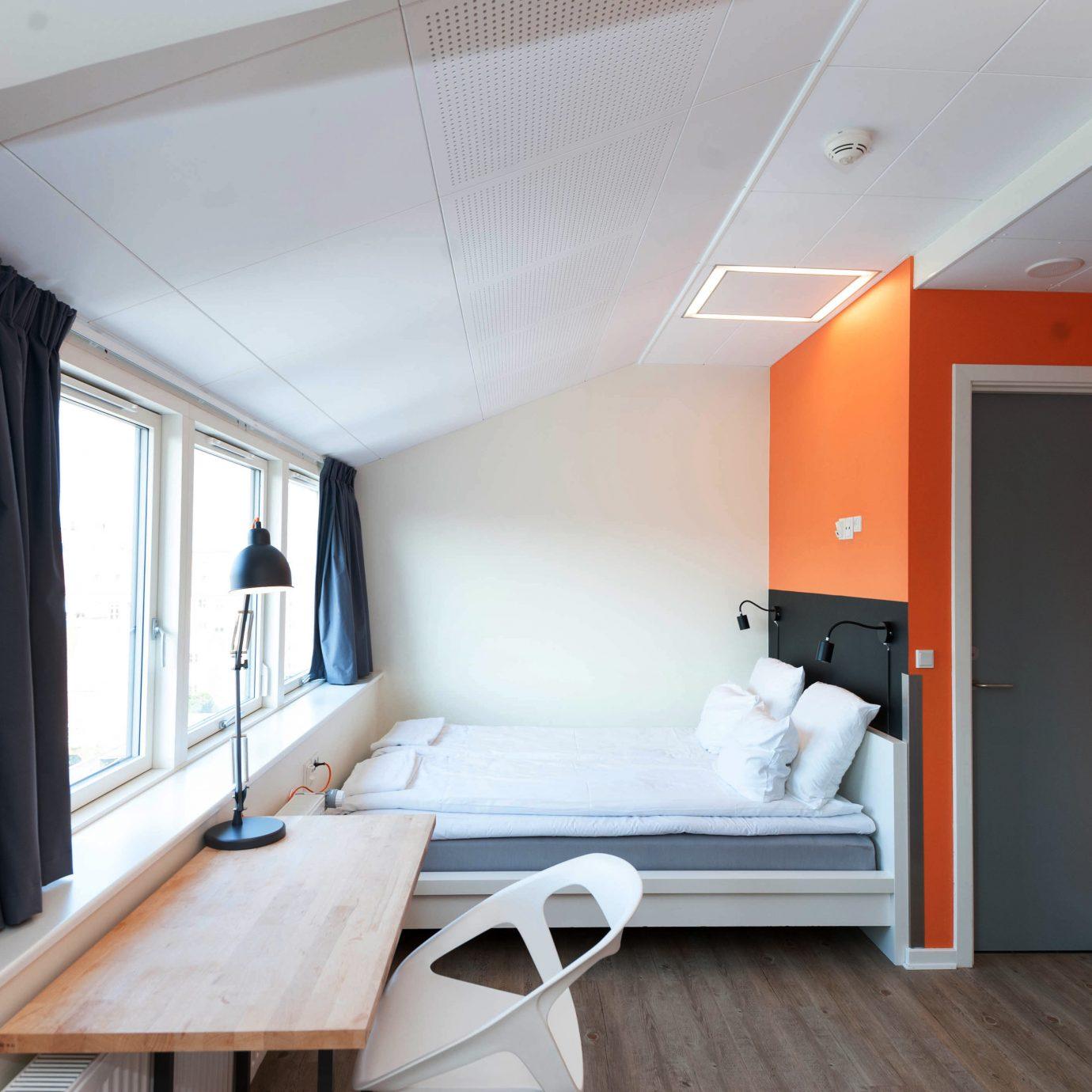 Bedroom Elegant Luxury Modern Suite property house home cottage living room loft daylighting Villa