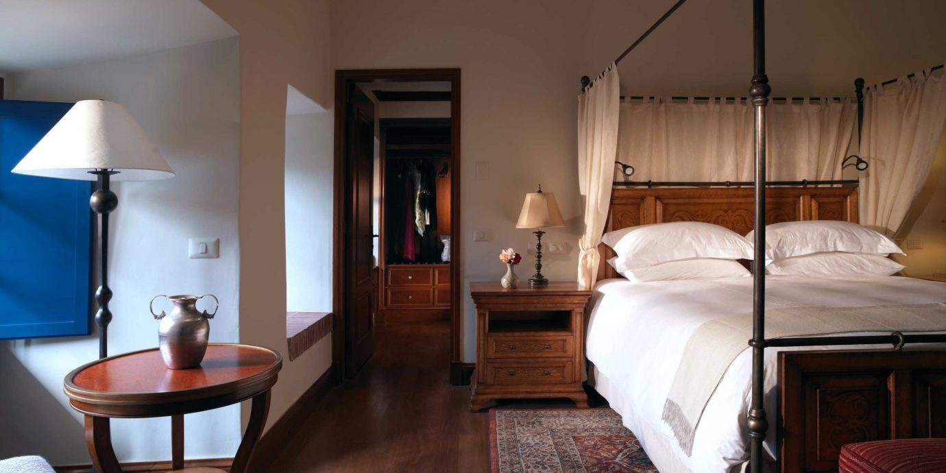 Bedroom Elegant Luxury Suite property house cottage hardwood home Villa living room