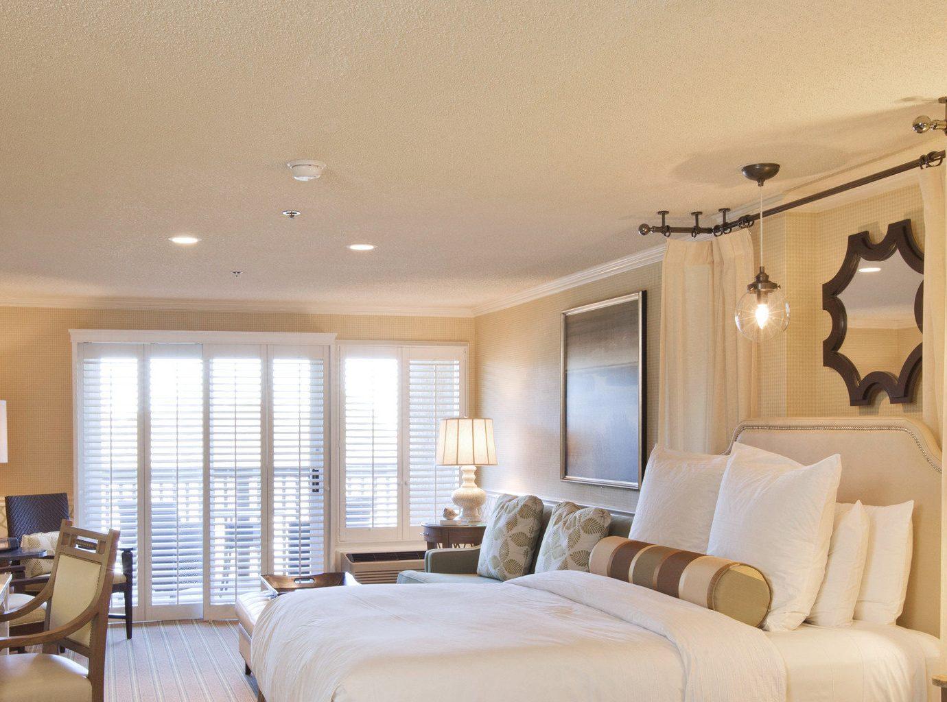 Bedroom Family Modern Resort Trip Ideas property living room Suite home condominium cottage