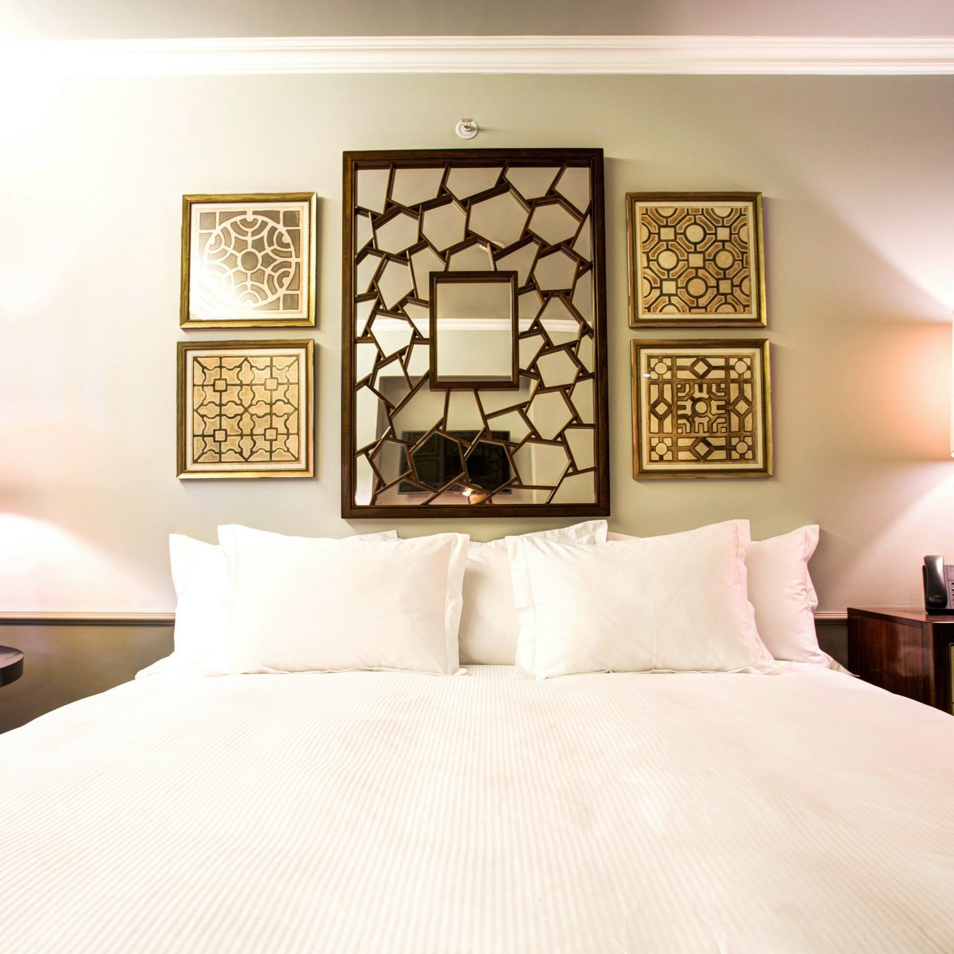 Bedroom Hip Lounge Luxury Modern Suite pillow lighting home bed sheet living room cottage lamp