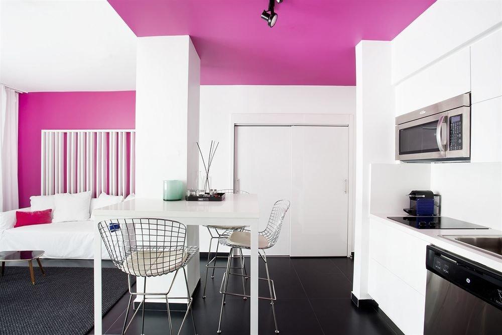 Bedroom Hip Luxury Modern Suite property home cottage living room