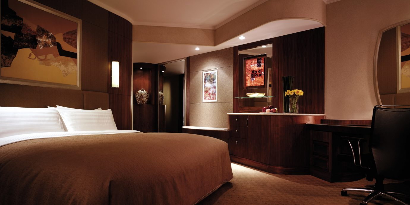 Bedroom Hip Luxury Romantic Suite property home living room