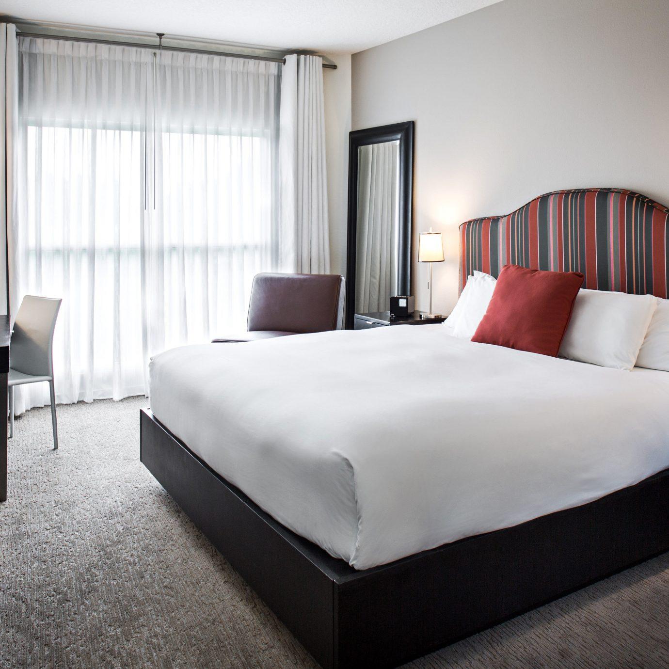Bedroom Hip Luxury Suite sofa property living room condominium bed frame flat