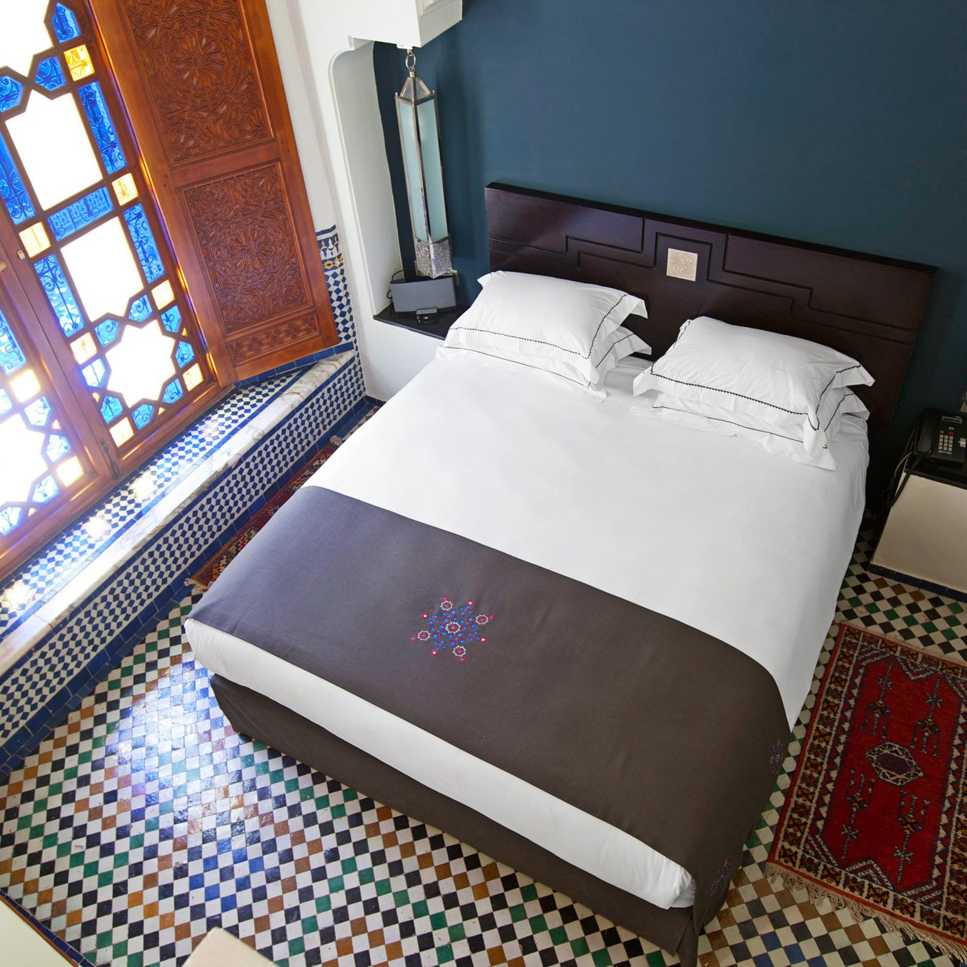 Bedroom Historic Luxury Modern Resort property bed sheet Suite textile cottage