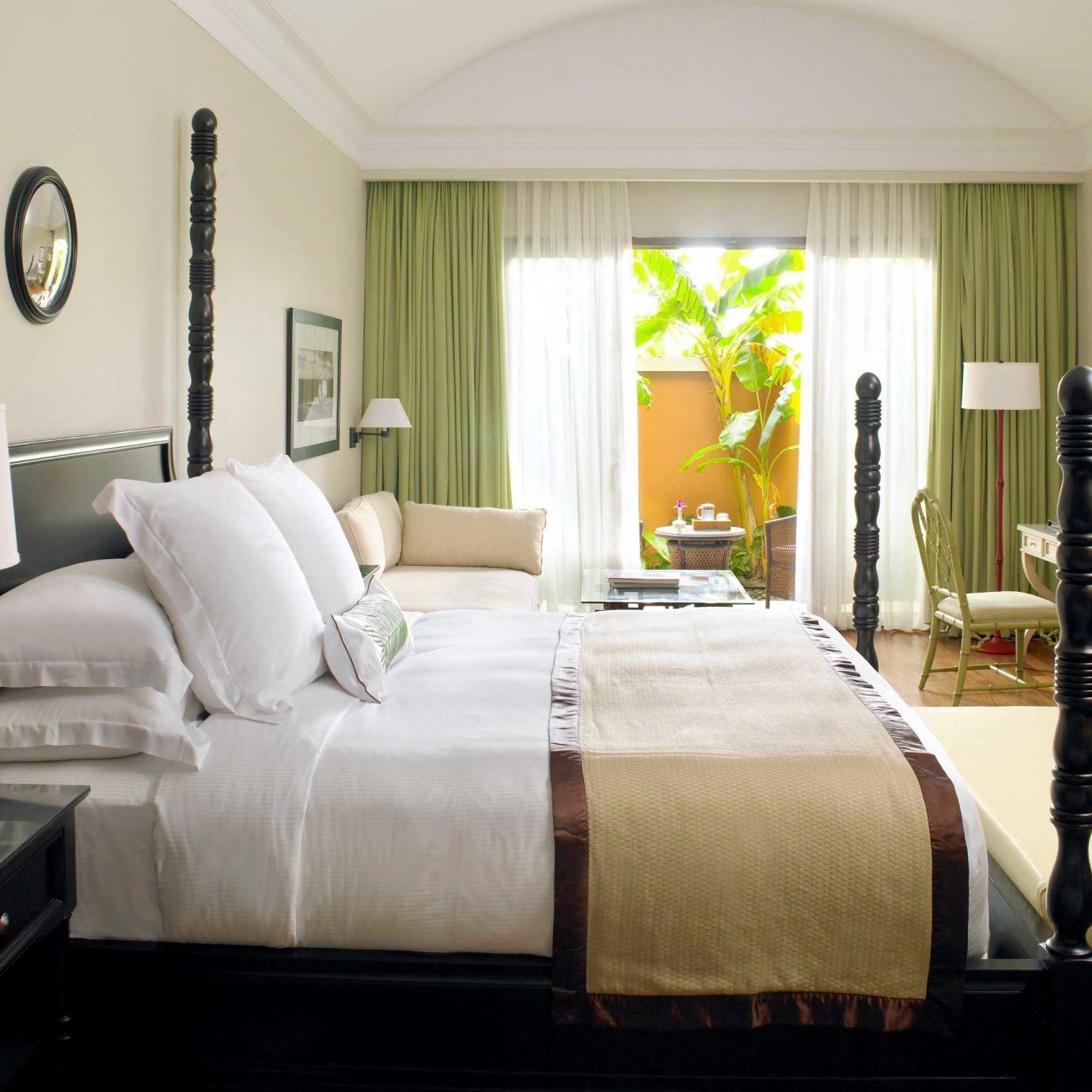 Bedroom Honeymoon Luxury Resort sofa property living room home Suite cottage bed sheet bed frame