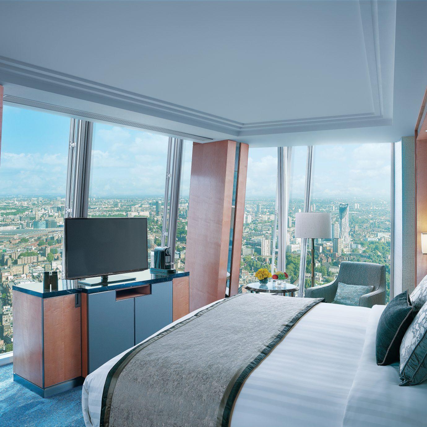 Bedroom Hotels Lounge Luxury Luxury Travel Modern Suite property house condominium living room home daylighting Villa overlooking