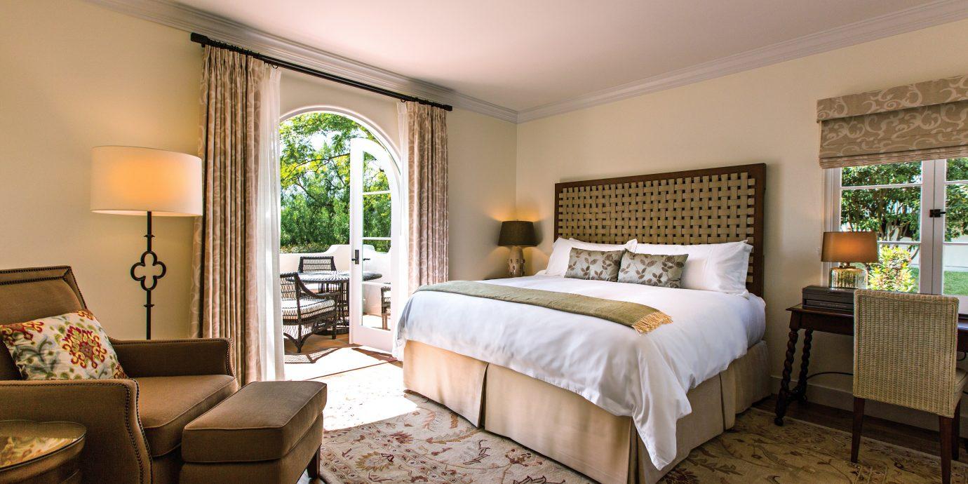 Bedroom Hotels Modern Resort Trip Ideas sofa property living room home Suite hardwood cottage Villa farmhouse condominium mansion