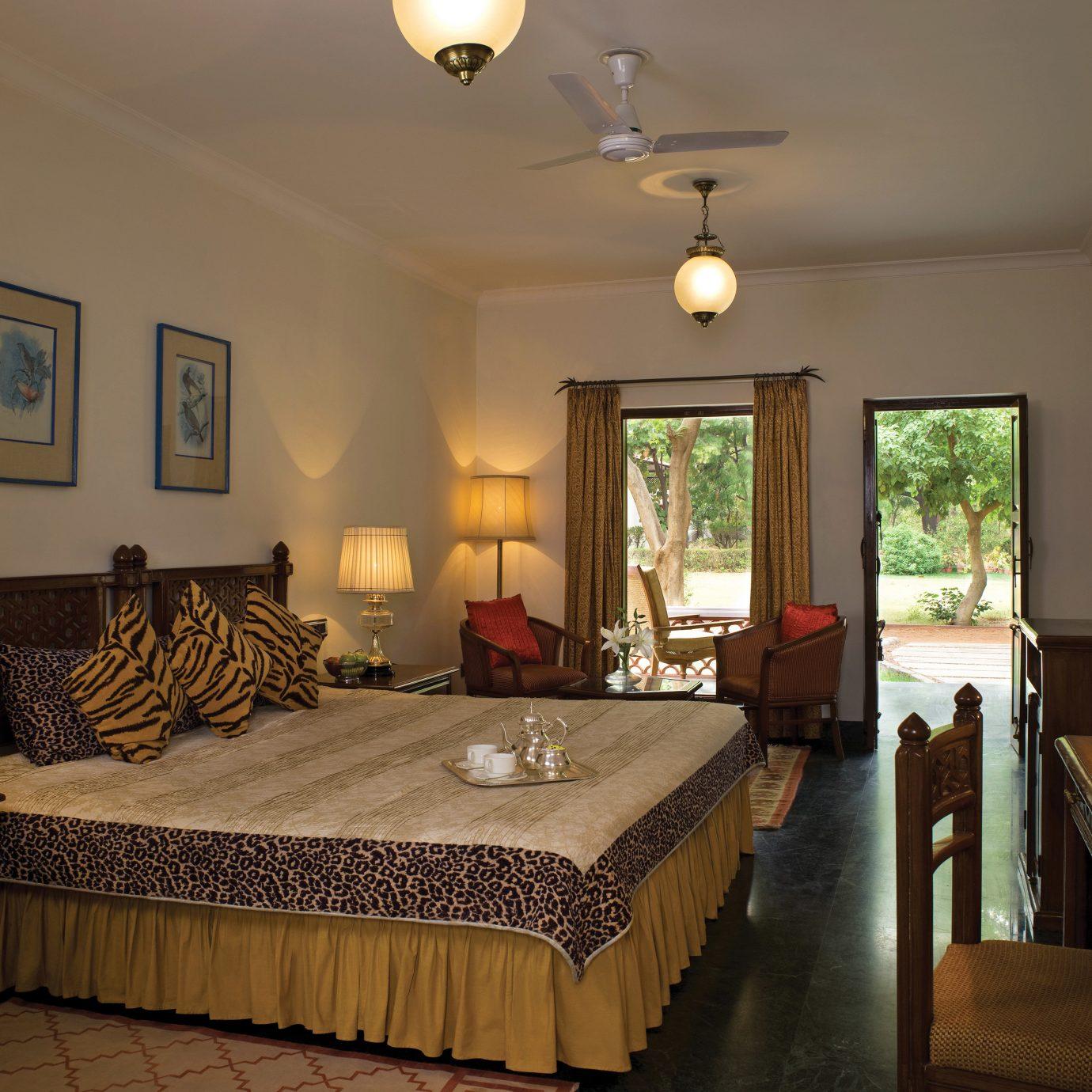 Bedroom Lodge Luxury property Suite living room home cottage Villa
