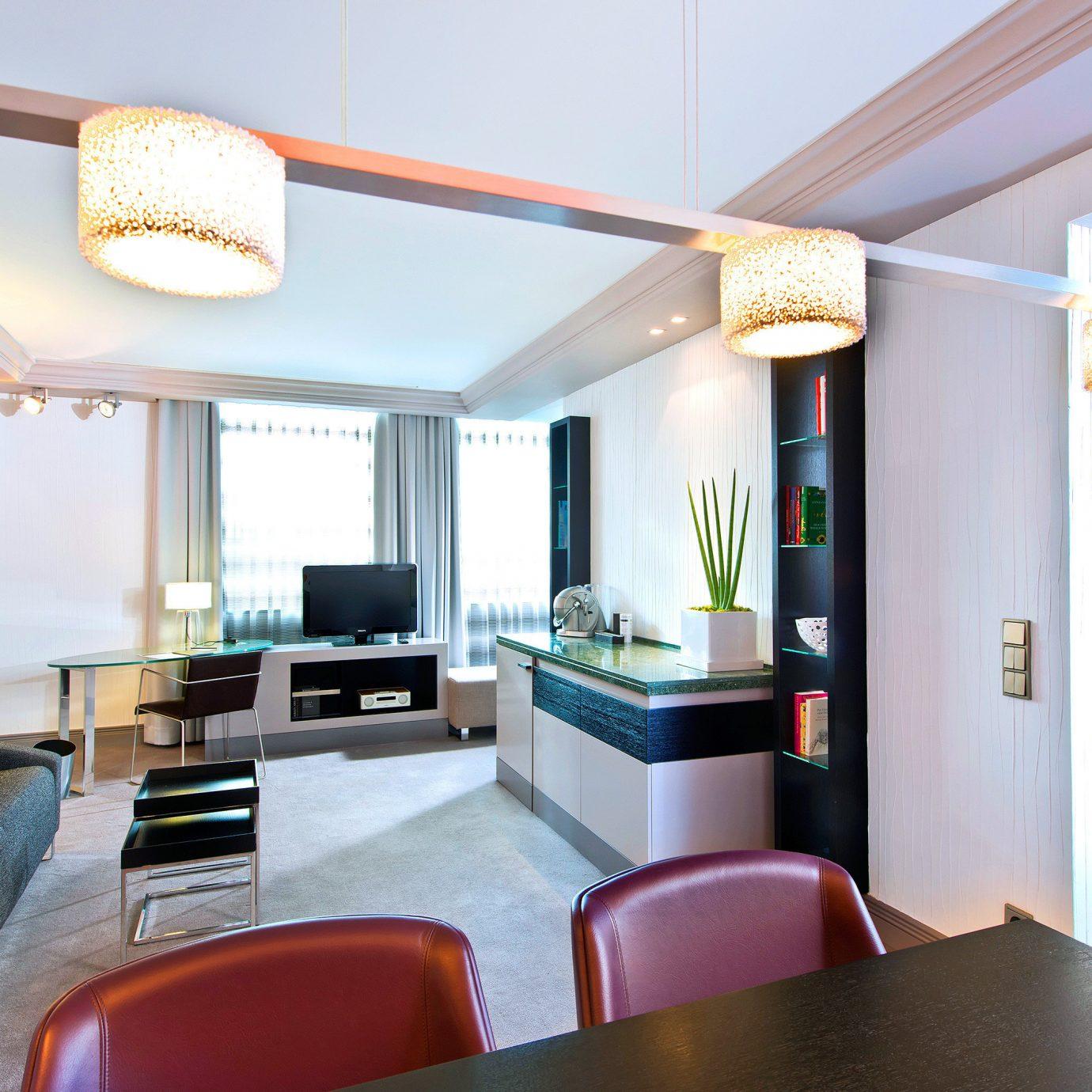 Bedroom Suite property condominium living room home Villa Resort Modern