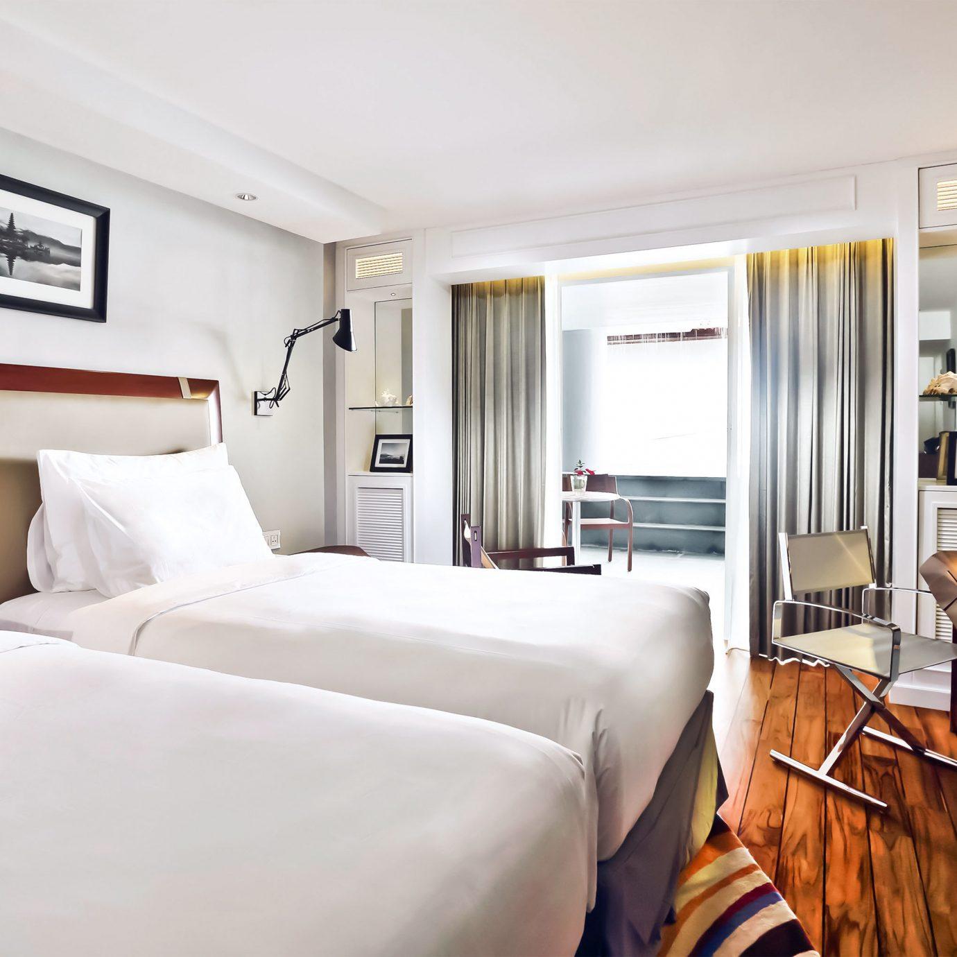 Bedroom Modern Resort sofa property Suite cottage home