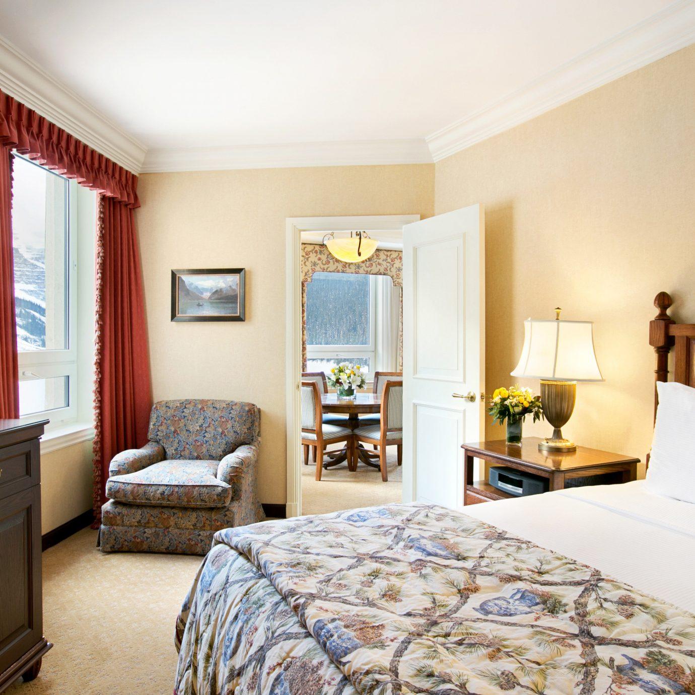 Bedroom Modern Resort property home cottage Suite living room Villa