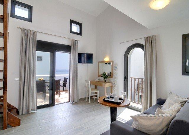 property living room condominium home hardwood Villa cottage Suite loft wood flooring Bedroom hard Modern
