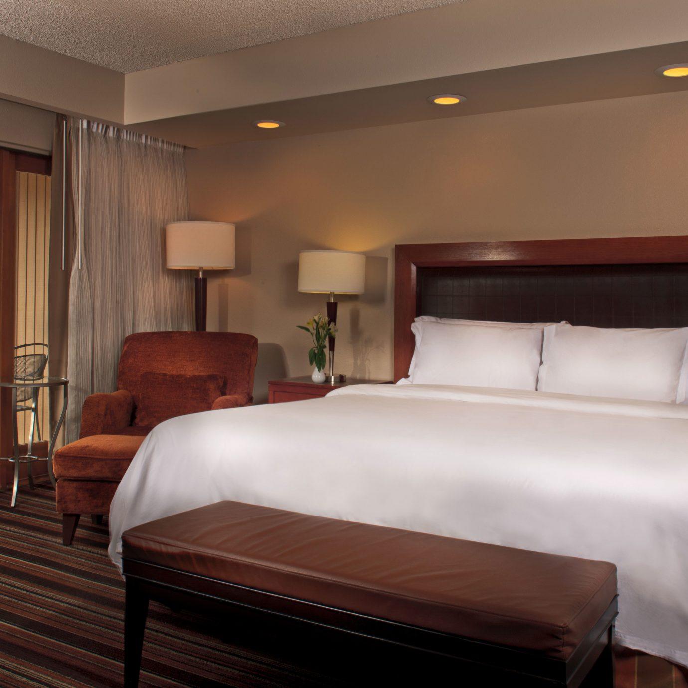 Bedroom property Suite hardwood Resort cottage