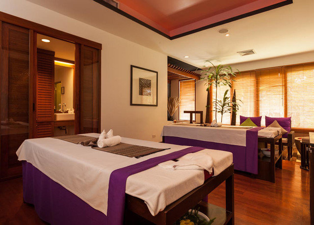 property Suite Resort Bedroom function hall restaurant
