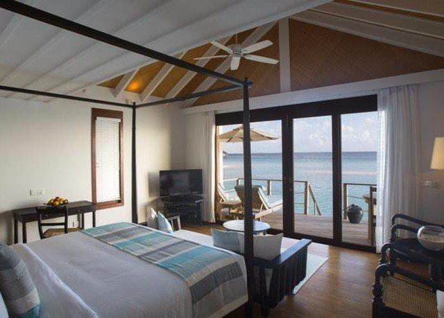 Bedroom property living room Villa Suite cottage home condominium Resort daylighting