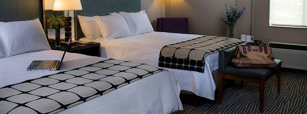property Suite cottage Bedroom bed sheet