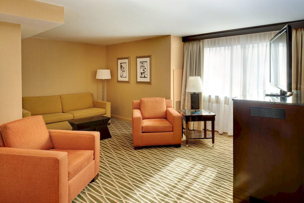 sofa property living room Suite condominium home cottage Bedroom flat