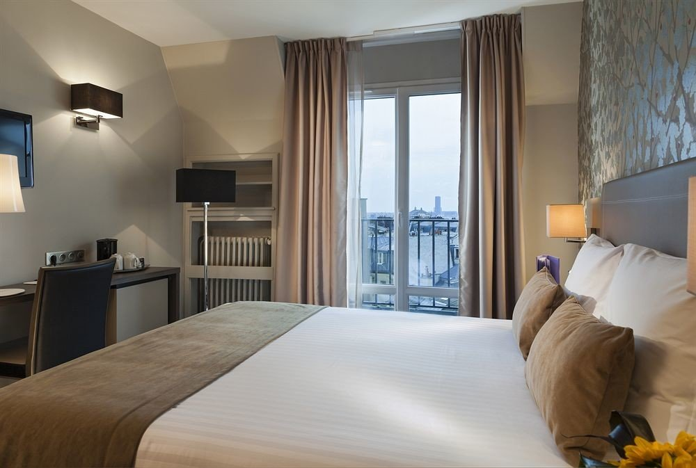 property Bedroom Suite condominium white cottage pillow