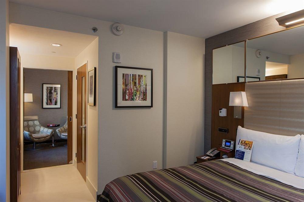 property Bedroom home Suite living room condominium