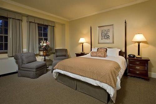 Bedroom property desk Suite cottage hardwood lamp night