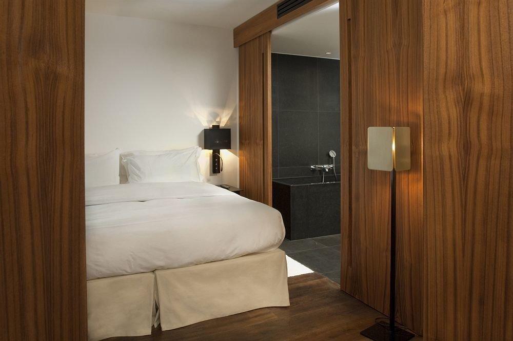 property Bedroom house Suite hardwood cottage home wooden