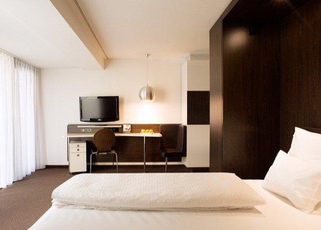 property Bedroom Suite home living room cottage loft