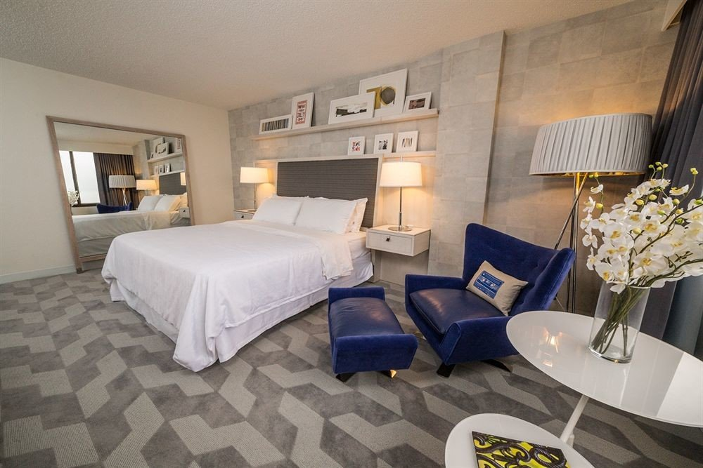 property Suite cottage living room Villa condominium Bedroom