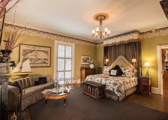 property living room Bedroom home Suite hardwood condominium mansion cottage Villa