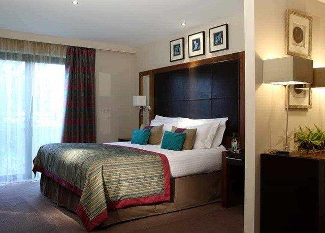 Bedroom property Suite cottage condominium home Villa