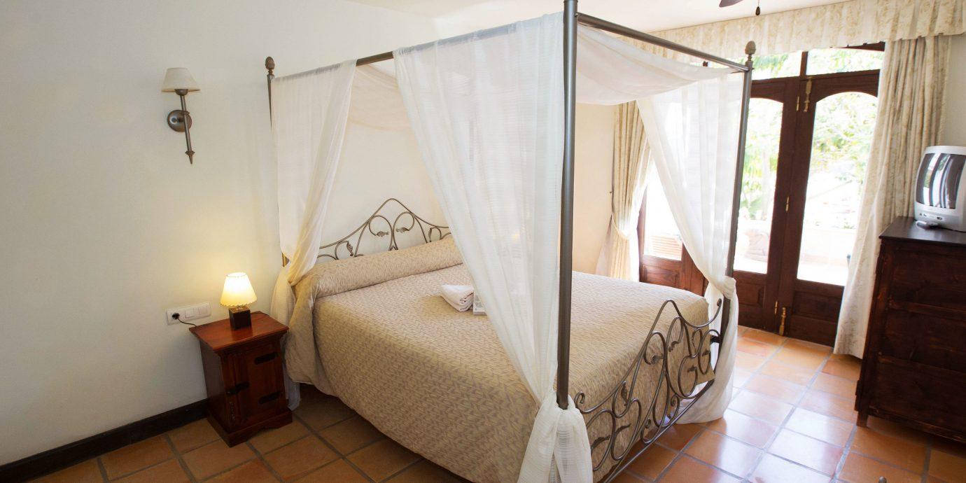 property cottage Villa Bedroom Suite tile tiled
