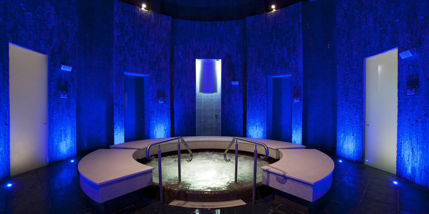 blue light stage lighting nightclub theatre swimming pool scenographer tiled
