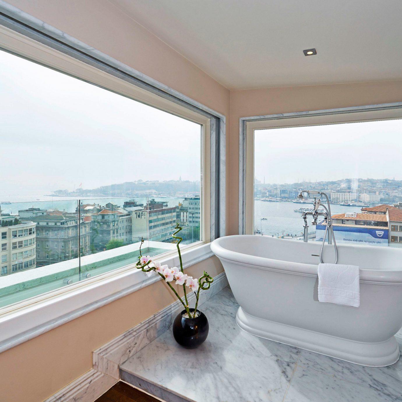 Boutique Hotels Hotels Luxury Travel property swimming pool home condominium bathtub bathroom Villa daylighting Suite tub