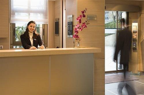 receptionist Boutique tourist attraction