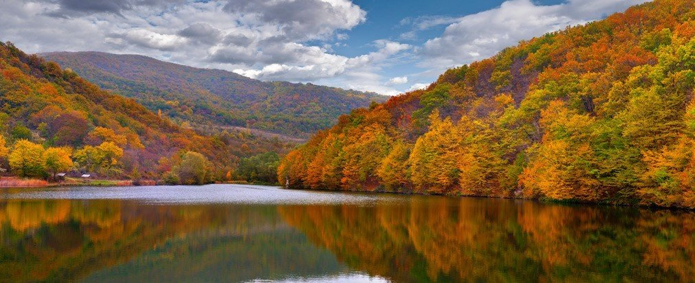 Trip Ideas mountain water outdoor River Nature Lake wilderness tree reflection autumn ecosystem season tarn leaf background loch landscape valley stream surrounded Forest overlooking hillside beautiful traveling distance lush