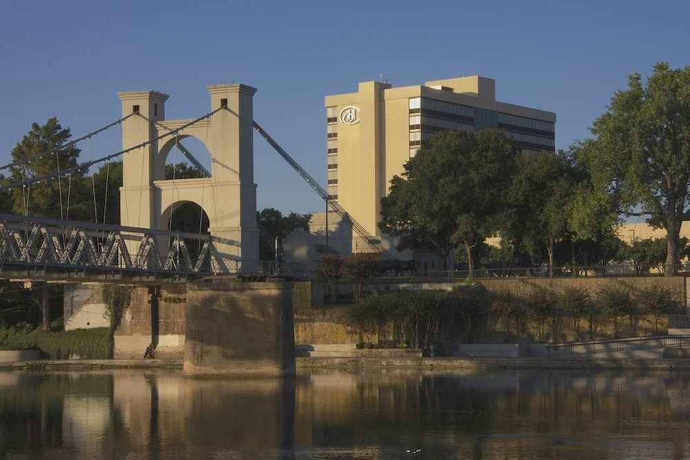 Classic Exterior Family sky transport building landmark waterway bridge River Canal