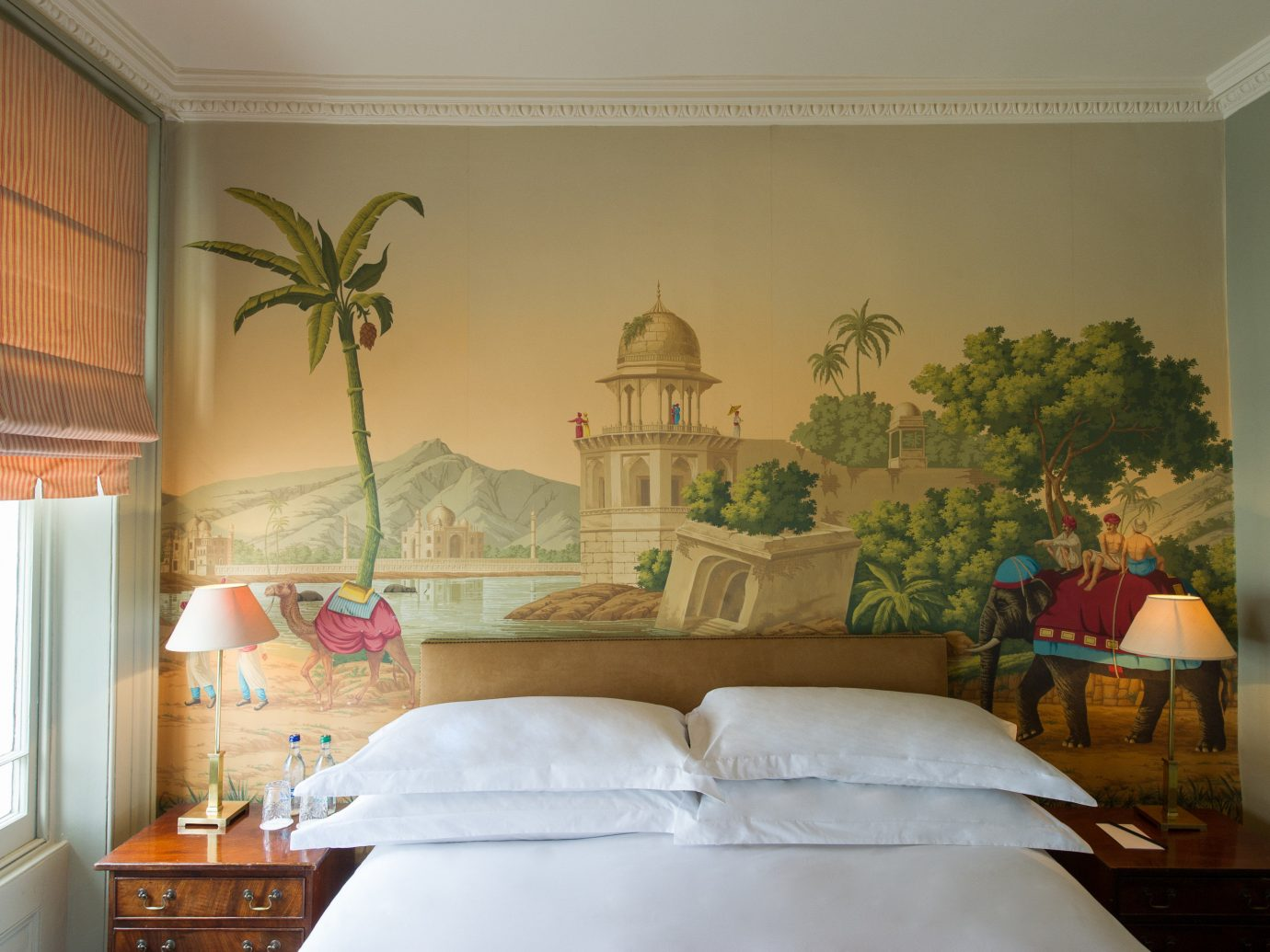 Budget Hotels London indoor wall room Bedroom Living property living room interior design home mural estate ceiling furniture window covering bed cottage decorated