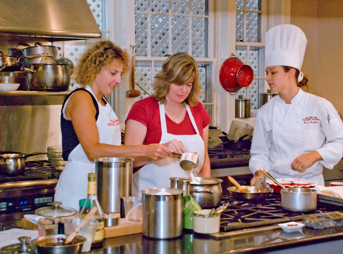 Country Eat Family Kitchen Resort food cook preparing cooking lunch culinary art brunch professional sense baking restaurant