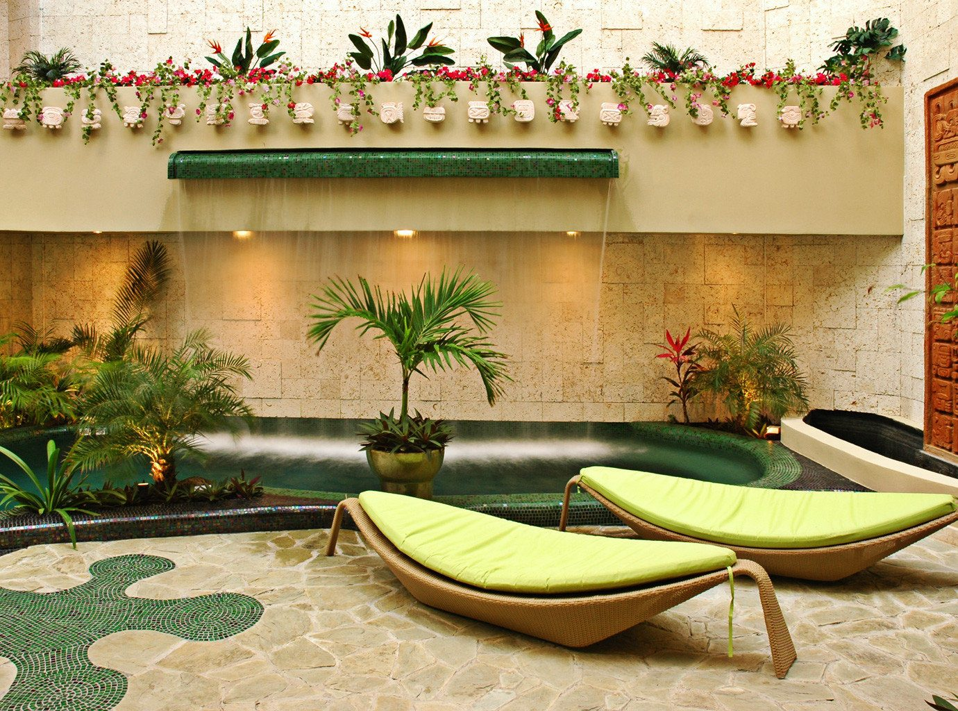 Grounds green property backyard Courtyard home living room Villa swimming pool flower plant
