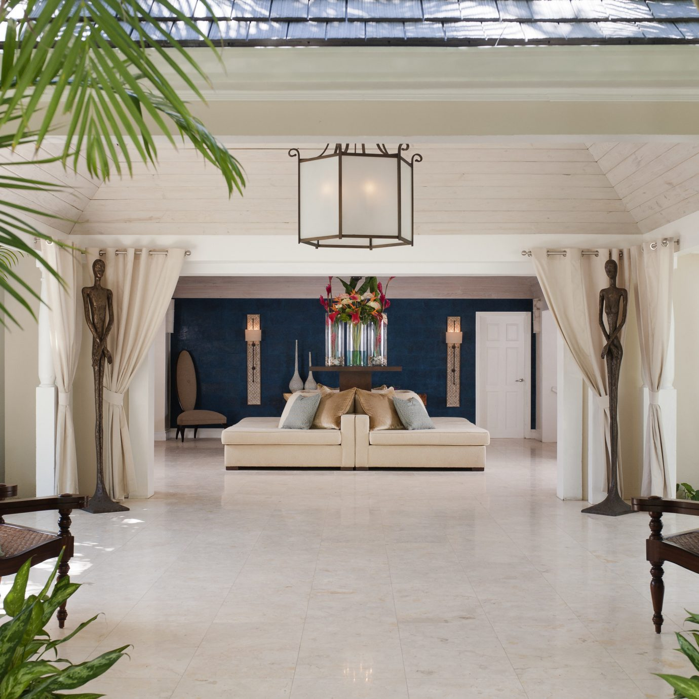property home house living room backyard Courtyard Resort outdoor structure Patio Villa flooring Lobby