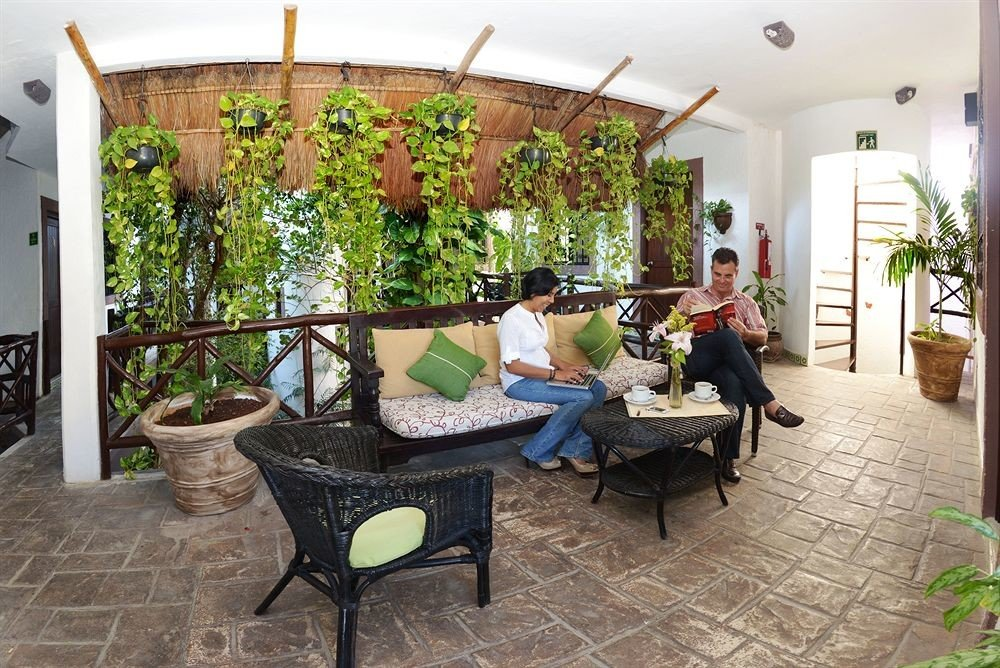 property Courtyard home Villa cottage hacienda outdoor structure backyard