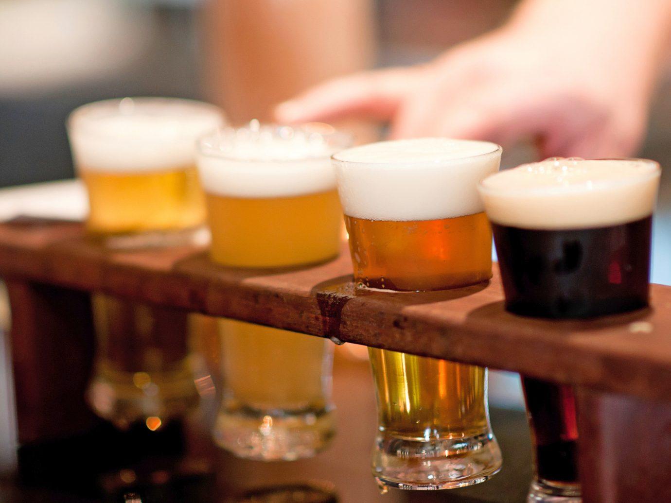 Bar Drink Entertainment Food + Drink Resort cup indoor beer alcoholic beverage alcohol lighting restaurant liqueur