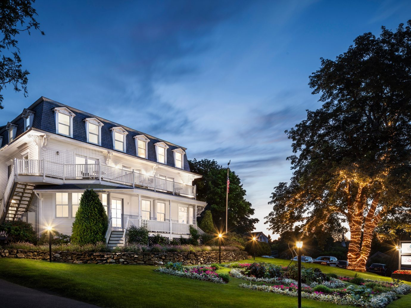 Elegant Exterior Historic Inn Trip Ideas outdoor sky tree building grass house estate neighbourhood home Architecture residential area mansion lawn château government building