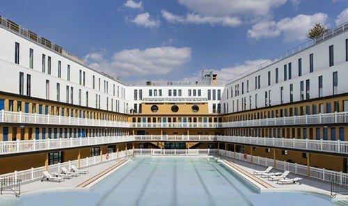 Jetsetter Guides sky outdoor building plaza property leisure centre condominium facade headquarters palace estate