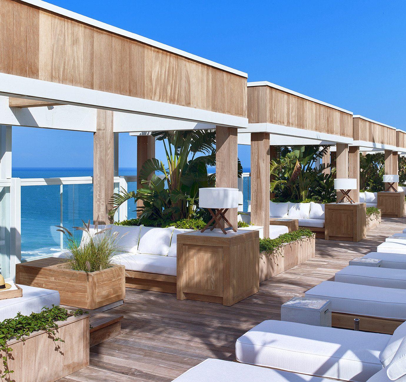 building property swimming pool home Resort condominium Villa outdoor structure pergola backyard Deck colonnade