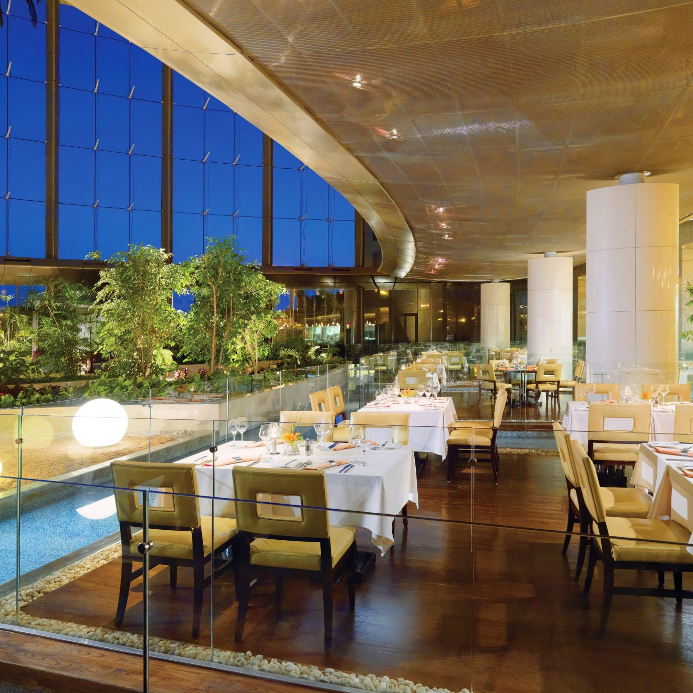 Dining Drink Modern Scenic views Lobby restaurant function hall Resort convention center condominium ballroom palace