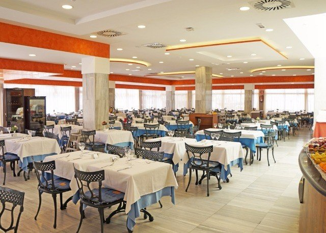 chair function hall restaurant Dining cafeteria banquet conference hall convention center classroom ballroom set Island