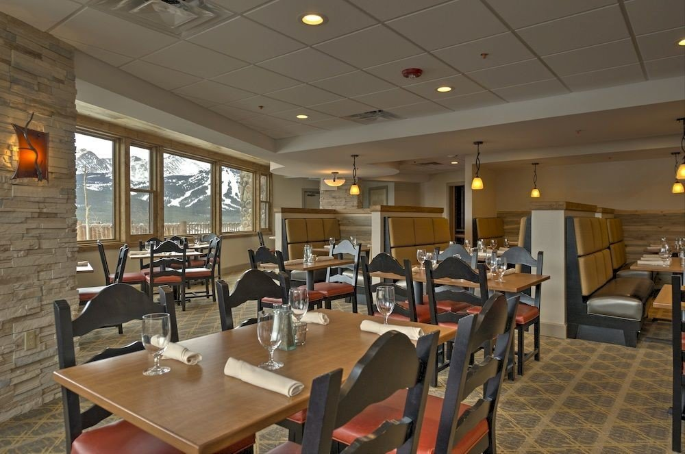 chair restaurant Dining cafeteria function hall conference hall convention center café Lobby dining table