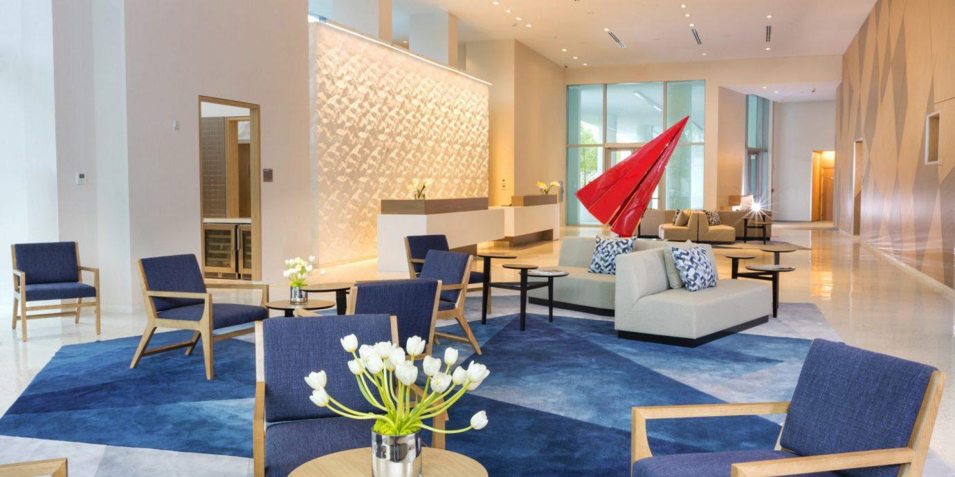 chair property Resort living room Suite Lobby condominium Dining Villa function hall