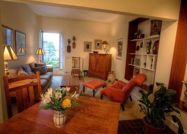property living room home Villa cottage Dining hardwood condominium mansion plant