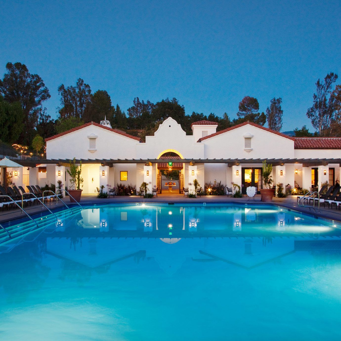 Eco Pool Style + Design water Resort swimming pool property leisure blue Villa resort town swimming mansion